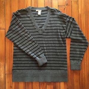 Gray/black vneck sweater w silver metallic thread